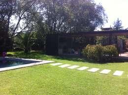 QUINCHO BUIN: Jardines de estilo minimalista por [ER+] Arquitectura y Construcción