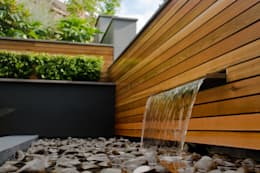 A Contemporary Terrace Garden: modern Garden by Robert Hughes Garden Design