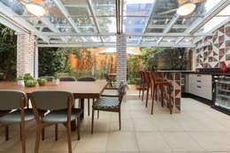 Terrazas  de estilo  por Maluf & Ferraz interiores