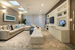 Salas de estilo moderno por Maluf & Ferraz interiores