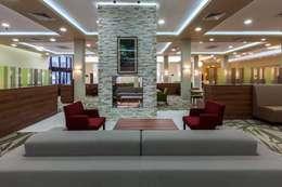 modern Living room تنفيذ S. T. Unicom Pvt. Ltd.