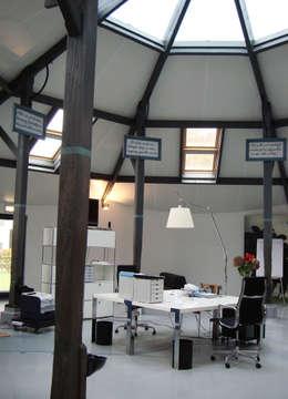 Kantoor- & winkelruimten door Resonator Coop Architektur + Design
