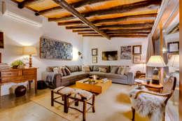 Monte Velho - Equo Resort: Salas de estar campestres por Ivo Santos Multimédia