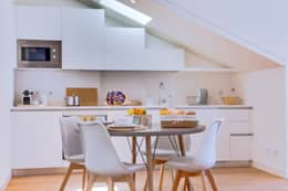 Apartamentos Salitre Lisboa - Apartments Salitre Lisbon: Salas de jantar modernas por Ivo Santos Multimédia