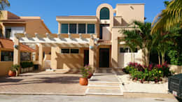 Single family home by DHI Arquitectos y Constructores de la Riviera Maya