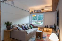 غرفة المعيشة تنفيذ Espaço Tania Chueke