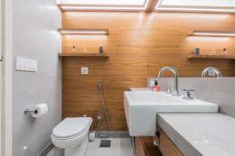 Apartamento Gávea: Banheiros modernos por Espaço Tania Chueke