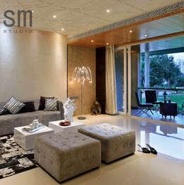 Heera Blue Water: modern Living room by SM Studio