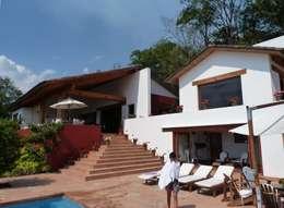 Casa PT-A: Terrazas de estilo  por VÁZQUEZ DEL MERCADO - ARQUITECTURA