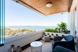 Balcones y terrazas de estilo moderno por Traço Magenta - Design de Interiores