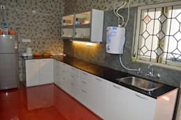L&T South city, 3 BHK - Mr. Sundaresh: mediterranean Kitchen by DECOR DREAMS