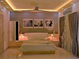JR Greenwich Villas, Sarjapur Road - Ms. Natasha: eclectic Bedroom by DECOR DREAMS