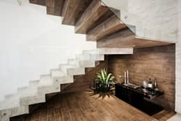 Cava: Cavas de estilo moderno por Constructora e Inmobiliaria Catarsis