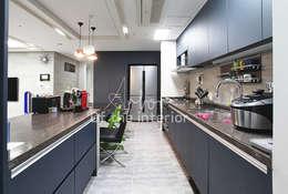 廚房 by 디자인 아버