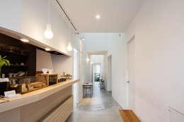 coneco bld.: 一色玲児 建築設計事務所 / ISSHIKI REIJI ARCHITECTSが手掛けたキッチンです。