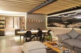 Platino : Salas de estilo moderno por Sulkin Askenazi