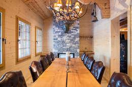 Comedores de estilo rústico por Prestige Architects By Marco Braghiroli
