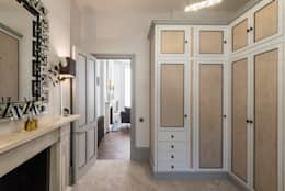 Dressing room: classic Dressing room by Prestige Architects By Marco Braghiroli