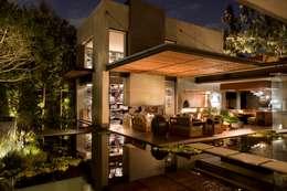 Terraza/perfil: Terrazas de estilo  por Avant Group