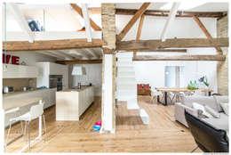 Pasillos y vestíbulos de estilo  por TALLER VERTICAL Arquitectura + Interiorismo