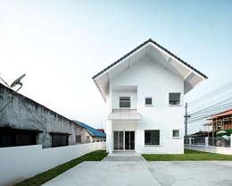 Tòa nhà văn phòng by Needs Natural Studio