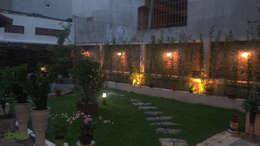 Sân vườn:   by Công ty TNHH Thiết Kế và Ứng Dụng QBEST