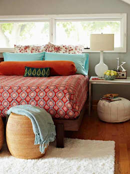 Spring Time Look: modern Bedroom by Spacio Collections
