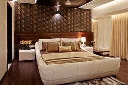masculine retreat: modern Bedroom by UNLOCK ©™