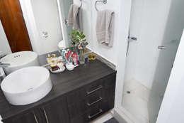 Remodelación Casa Soler: Baños de estilo moderno por ARCOP Arquitectura & Construcción
