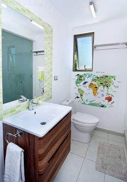 Baños de estilo  por ARCOP Arquitectura & Construcción