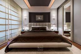 Dormitorios de estilo moderno de RayDesigns
