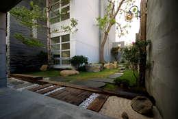 築青室內裝修有限公司의  주택