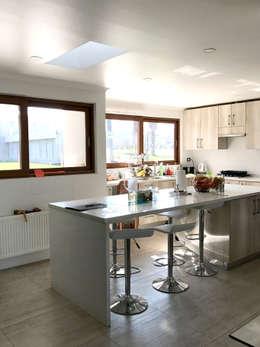 modern Kitchen by AtelierStudio