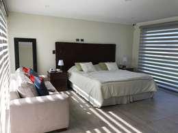 modern Bedroom by AtelierStudio