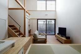 江戸川区K邸: スタジオ・スペース・クラフト一級建築士事務所が手掛けたリビングです。
