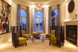 Elegancia Acogedora : Salas de estilo moderno por Claudia Luján