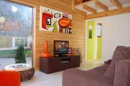 RUSTICASA   Casa modelo   Vila Nova de Cerveira: Salas de estar modernas por Rusticasa