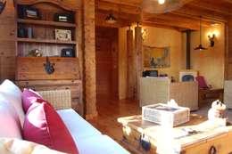 Phòng khách by Rusticasa