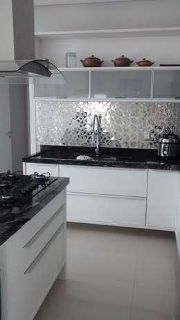Muebles de cocinas de estilo  por Danielli Palaver Arquiteta