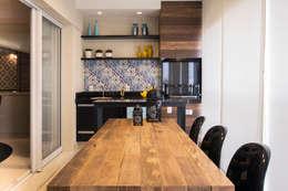 Varanda Gourmet : Terraços  por Maluf & Ferraz interiores