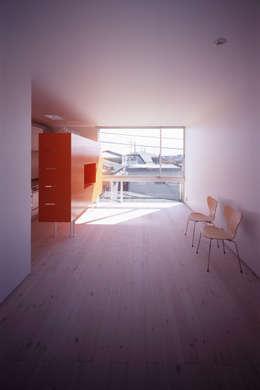 スピンオフ: Smart Running一級建築士事務所が手掛けたリビングです。