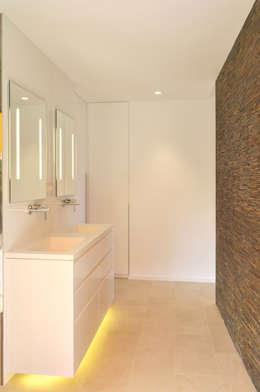 Rardo - Architects: modern tarz Banyo