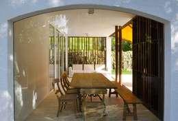 Hiên, sân thượng by Rardo - Architects