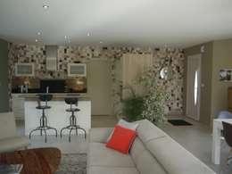 Décoration d'une pièce de vie - maison d'habitation: Couloir et hall d'entrée de style  par Conseil Déco & Création