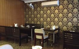 Residential Interior :  Walls & flooring by Manoj Interior Decorator