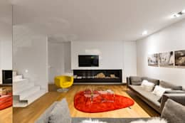 minimalistic Living room by Arch. Antonella Laruccia