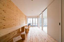 3階プレイルーム: キリコ設計事務所が手掛けたリビングです。