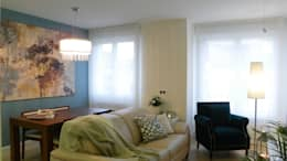 Salas de estar modernas por Arantxa Muru Decoradora
