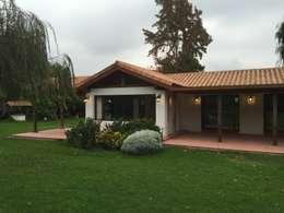 Rumah by ARCOP Arquitectura & Construcción