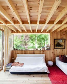 Salas de estilo escandinavo por m architecture